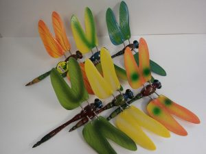 Dragonfly Yard Art With Motion Wings