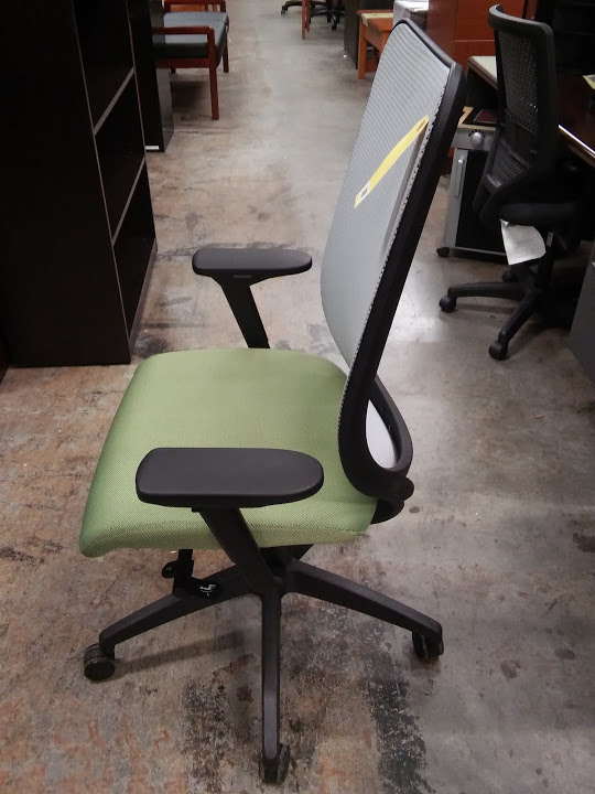 Hon Nucleus Executive Office Chair With Mesh Back