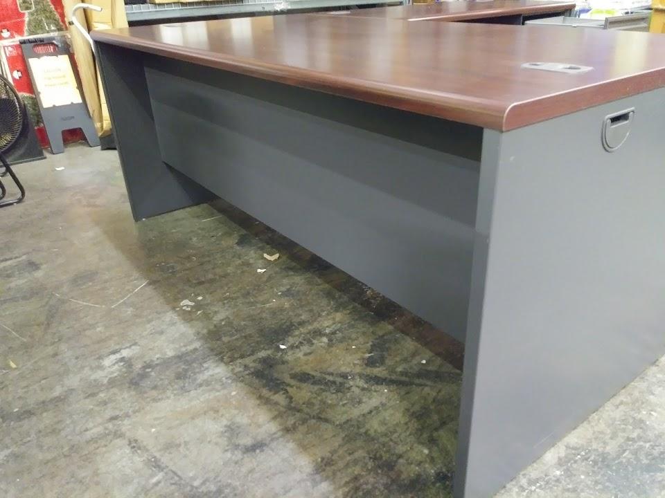 Main Desk Box Drawer Is 20u2033 Deep
