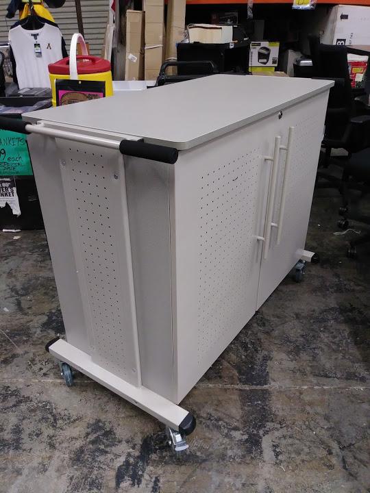 Locking Laptop Storage Cart Charging Station For 24