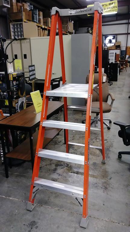 Fiberglass Platform Work Ladder 4 Louisville Ladder Fxp1704 A Amp M Office Supply
